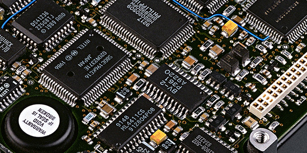 What are the common SMD electronic components?